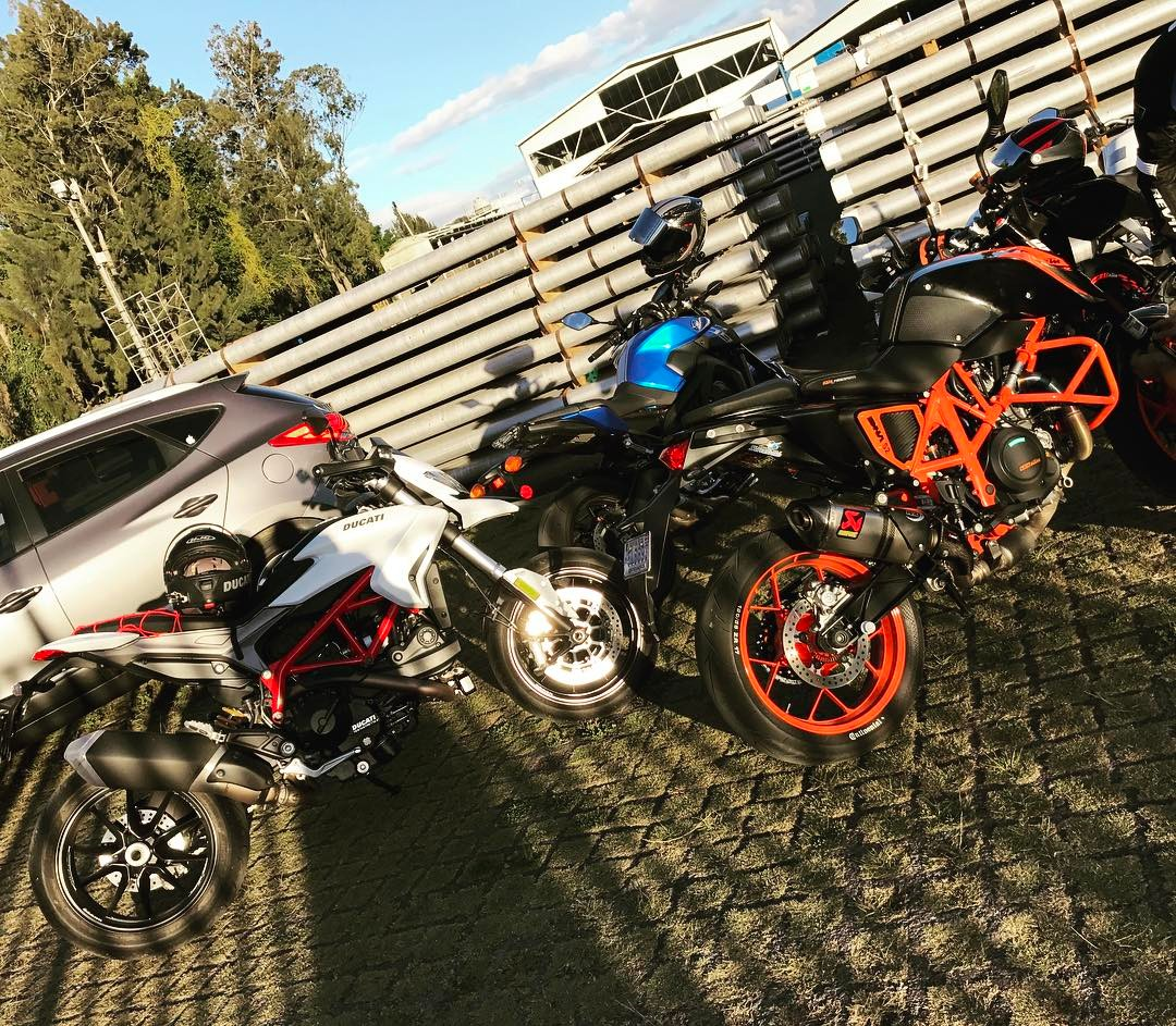 Just some friends yamaha FZ09 ktm duke690R ducati hypermotard939 hypermotardhellip
